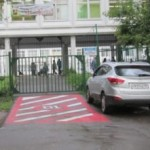 Нельзя парковаться у школ и детских садов