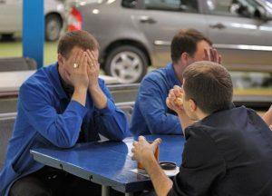 Продажи АвтоВАЗа упали