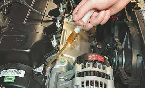 низкая компрессия в двигателе проверка маслом