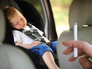Курение в авто при ребенке