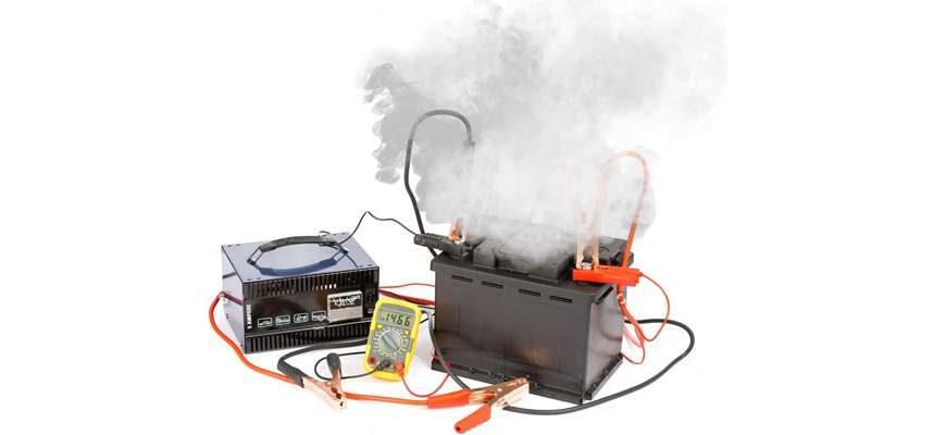 Должен ли кипеть аккумулятор при зарядке